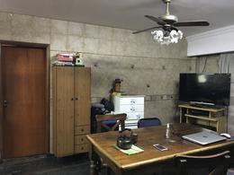 Foto Casa en Venta en  Villa Gral.Mitre ,  Capital Federal  Camarones 2400