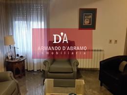 Foto Casa en Venta | Alquiler en  Capital ,  Neuquen  V. FARREL