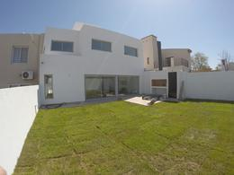 Foto Casa en Venta en  Miradores de Manantiales,  Cordoba Capital  Miradores de manantiales casa