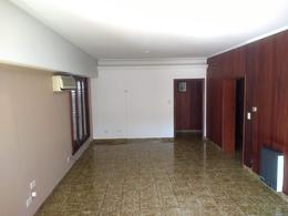 Foto thumbnail Casa en Venta en  Adrogue,  Almirante Brown  Rosales al 300