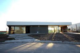 Foto Casa en Venta en  Barrio Don Joaquin,  Countries/B.Cerrado (Ezeiza)  Casa en venta a estrenar Don Joaquín, Ruta 58 km 9.5, Canning
