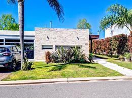 Foto Casa en Venta en  Funes ,  Santa Fe  CADAQUES - FUNES HILLS