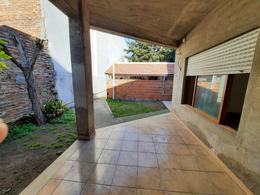 Foto Casa en Venta en  Moron Sur,  Moron  French 966. Moron
