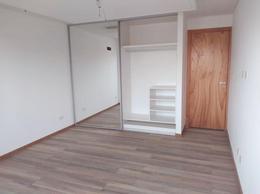 Foto Departamento en Venta en  Lourdes,  Rosario  ZEBALLOS 2616