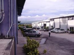 Foto Bodega Industrial en Venta | Renta en  Brasil,  Santa Ana  Amplia Bodega con salida a la ruta 27