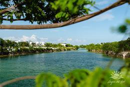Foto Terreno en Venta en  Lagos del Sol,  Cancún  Terreno en venta en Cancún Lagos Del Sol. Manzana Delfines 420 m2