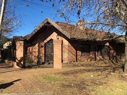 Foto Casa en Venta en  Villa Elisa,  La Plata  7 esquina 50
