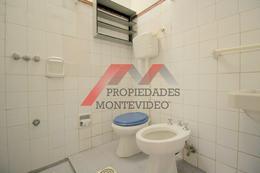 Foto Casa en Venta en  Parque Batlle ,  Montevideo  Parque Batlle, Santiago Gadea al 3300