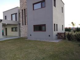 Foto Casa en Venta en  Barrio Don Joaquin,  Countries/B.Cerrado (Ezeiza)  Importante casa en Don Joaquin