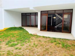 Foto Casa en Venta en  La Molina,  Lima  Calle Guatemala, La Molina