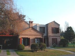 Foto Casa en Venta en  El Ombu,  Countries/B.Cerrado (Ezeiza)  Venta - Casa en El  barrio privado el Ombú - ACEPTA PERMUTA EN CABA