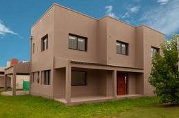 Foto Casa en Venta en  Yerba Buena ,  Tucumán  Divisadero