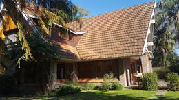 Foto Casa en Venta en  Adrogue,  Almirante Brown  Rusell al 500