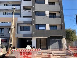Foto Departamento en Venta en  Area Centro,  Cipolletti  Sarmiento 556 - OFERTA!