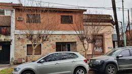 Foto Local en Venta en  Lomas de Zamora Oeste,  Lomas De Zamora  Rivera 702