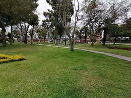 Foto Departamento en Venta en  Santiago de Surco,  Lima  Calle santa fe cuadra 2