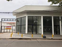 Foto Galpón en Alquiler en  Esc.-Centro,  Belen De Escobar  Rivadavia 646