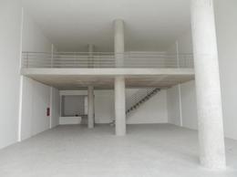 Foto Local en Venta | Alquiler en  Cordón ,  Montevideo  Local comercial con entrepiso, 216 m2