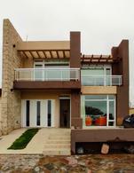 Foto Casa en Venta en  Playa Union,  Rawson  Frente al mar - Playa Union