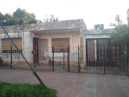 Foto Casa en Venta en  Ituzaingó ,  G.B.A. Zona Oeste  tel avid al 2800