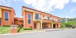 Foto Casa en condominio en Venta en  Guacima,  Alajuela  Los Reyes/ Amplio Jardín/ Condominio Familiar/ 391m2 de terreno