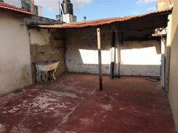 Foto PH en Alquiler en  Lanús Este,  Lanús  Sitio de Montevideo al 2700