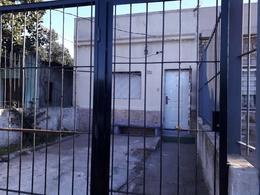 Foto Casa en Venta en  Unión ,  Montevideo  Gobernador Viana - a refaccionar - 3 Dorm