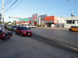 Foto Local en Venta en  Región 91,  Cancún  Se Vende Local en Cancun en Av. López Portillo Frente a Chedraui