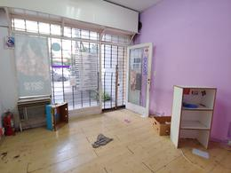 Foto Local en Venta | Alquiler en  Flores ,  Capital Federal  J. B. Alberdi 2400