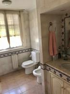 Foto Casa en Venta en  Adrogue,  Almirante Brown  SOMELLERA 897 ESQUINA ROSALES