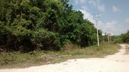 Foto Terreno en Venta en  Colegios,  Cancún  Terreno cerca Av Huayacan y Av Colegios
