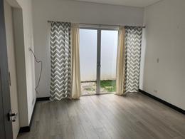 Foto Casa en condominio en Renta en  Piedades,  Santa Ana  Rio Oro de Santa Ana/ Una planta / Parte de la línea blanca / Jardín