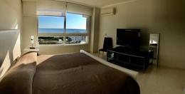 Foto Departamento en Venta en  Playa Mansa,  Punta del Este  Apartamento esquinero en una de las torres de mayor jerarquia de la Mansa