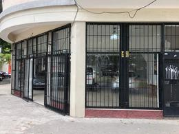Foto Local en Alquiler en  Villa Dominico,  Avellaneda  Mitre al 5200
