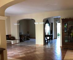 Foto Casa en Alquiler en  Ykua Sati,  La Recoleta  Zona Paseo La Galería