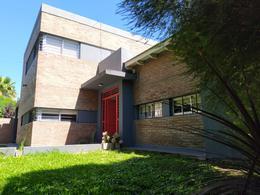 Foto Casa en Venta en  Funes ,  Santa Fe  Montevideo al 500