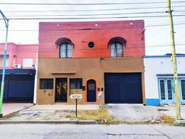 Foto Casa en Venta en  El Bosque,  San Miguel De Tucumán  san juan al 1800