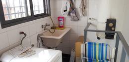 Foto PH en Venta en  Liniers ,  Capital Federal        Venta departamento en liniers de 3 ambientes con lavadero y terraza  Fonrouge al 600 .