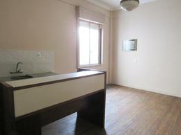 Foto Apartamento en Venta en  Centro (Montevideo),  Montevideo  Colonia  y Convencion