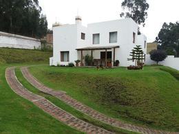 Foto Casa en Venta en  Iñaquito Alto,  Quito  Hermosa casa independiente, 1.000m2 de terreno