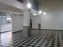 Foto Local en Alquiler en  Centro,  Cordoba  Genera Alvear al 700