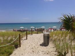 Foto Departamento en Venta en  Hallandale,  Miami-dade  2602 East Hallandale Beach BLVD