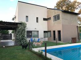 Foto Casa en Venta en  Funes ,  Santa Fe  Jose Ingenieros al 4800