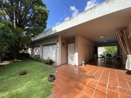 Foto Casa en Venta en  Adrogue,  Almirante Brown  La Gaceta al 200