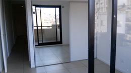 Foto Departamento en Alquiler en  Monserrat,  Centro (Capital Federal)  Avda. Belgrano al 1300