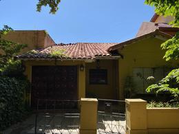 Foto Casa en Venta en  Adrogue,  Almirante Brown  La Rosa al 1200