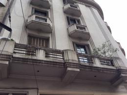 Foto Departamento en Venta en  Balvanera ,  Capital Federal  Larrea 90