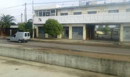 Foto Edificio Comercial en Alquiler | Venta en  Ezeiza ,  G.B.A. Zona Sur  Reconquista al 800