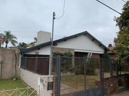 Foto Casa en Venta en  Cerro De Las Rosas,  Cordoba Capital  B° Cerro de las Rosas - Pedro de Angelis 1900