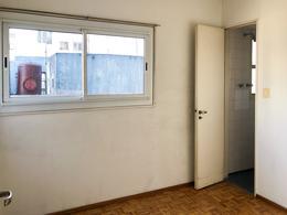 Foto Departamento en Venta en  Recoleta ,  Capital Federal  LARREA 1400 PISO 6